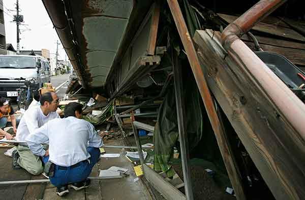 新潟県中越沖地震:(2007年7月17日)