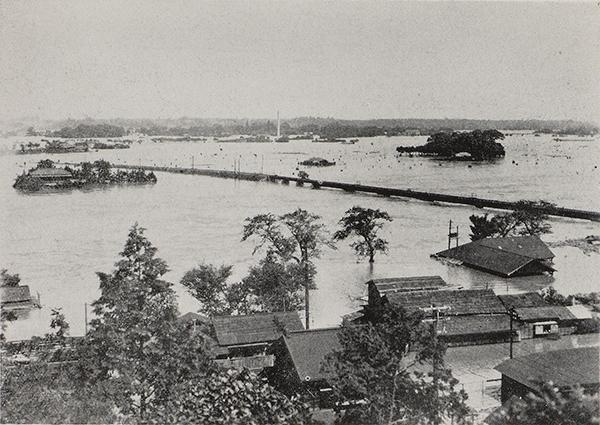 那珂川水郡線鉄道橋付近出水状況(『昭和二十二年九月洪水報告』内務省関東土木出張所 1947年)