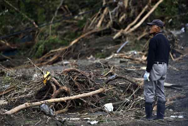 台風26号で大きな被害:伊豆大島で16人が死亡