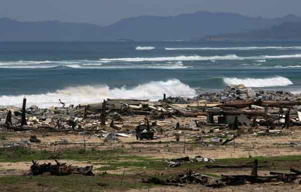 スマトラ島沖地震・インド洋巨大津波:津波に襲われたインドネシアのバンダアチェ市郊外、Lhok Nga地区(2005年4月4日撮影)