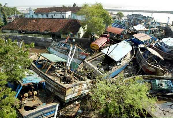 スマトラ島沖地震・インド洋巨大津波の被害(2004年12月28日撮影)