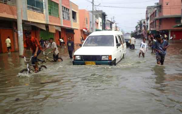 スマトラ島沖地震・インド洋巨大津波:インドネシア・アチェ州の被害