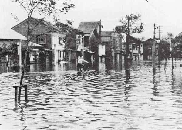 福井県福井市福井駅前通り浸水状況