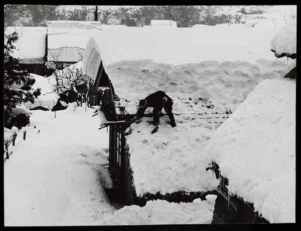 鳥取県下に於ける『38・1豪雪』被害状況写真