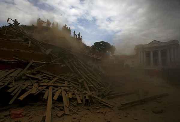 ネパールでM7.8の地震 死者・行方不明者多数