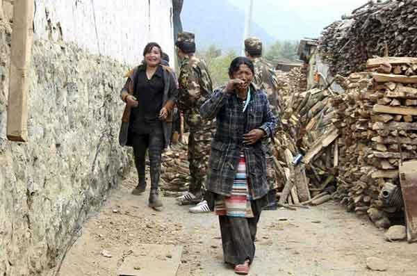 ネパールでM7.8の地震 発生から一夜 被害甚大