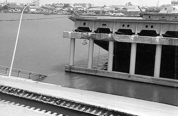 昭和大橋(18日13時頃) 第二と第三(撮影日時:1964年6月18日13:00)