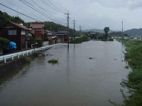 平成23年9月台風12号による米子市青木地区の内水被害状況:日野川において、床上浸水8戸、床下浸水17戸の被害が発生