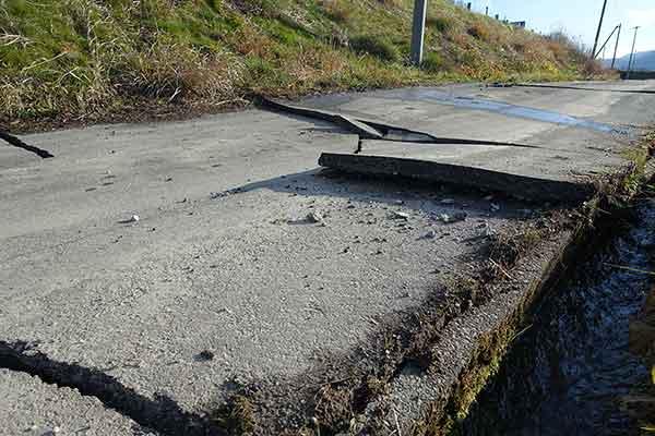 長野県神城断層地震の被害状況(2014年11月29日撮影)