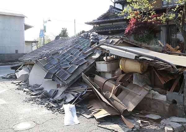 熊本で震度7の地震:益城町で大きな被害