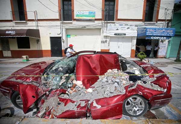 メキシコでM7.1の地震 230人以上が死亡