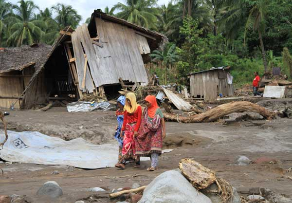 台風27号、フィリピンで猛威