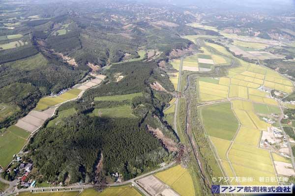 東和地区南西から厚真川上流方向を撮影(2018年9月6日撮影)