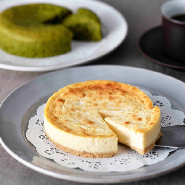 チーズ・抹茶ケーキセットの写真