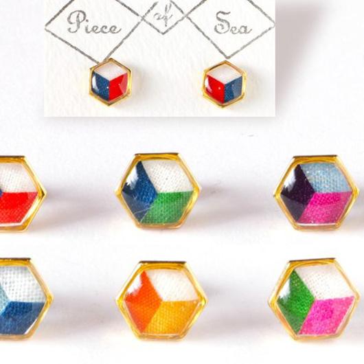 六角形ピアス・イヤリングの写真
