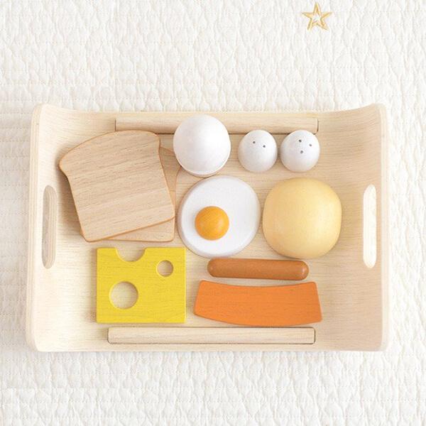 木製の朝食セットの写真