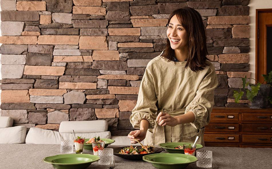 神山まりあさんの、ほんわか幸せレシピ【ちらし寿司風サラダで春の簡単おもてなし】の写真