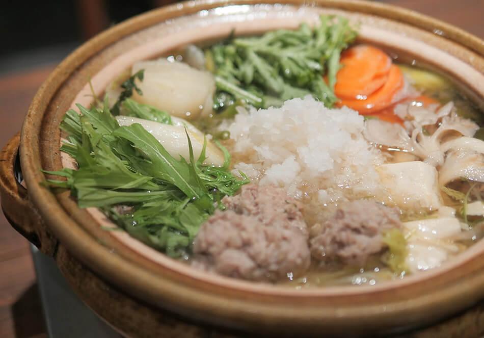 鶏つみれと生ダラのみぞれ鍋、<br>シメはアジアン雑炊で決まり!の写真