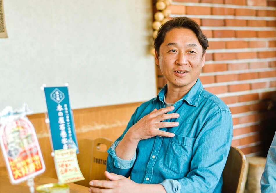 飯山市の人気カレー店「ペンティクトン」のオーナーであり、飯山駅ナカ酒場「えっぺ」のメニュー監修も務める木原さん