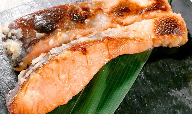 店舗で大人気「銀鮭塩麹漬け」